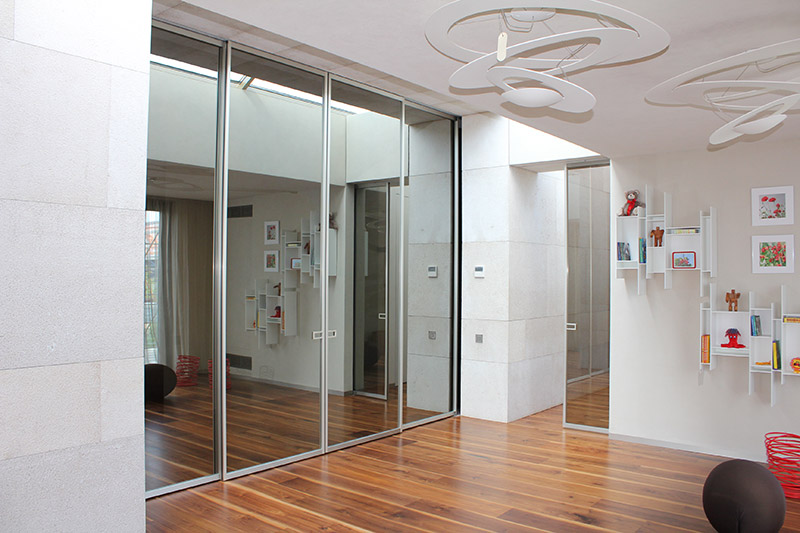 LESS - Movi porte interior design